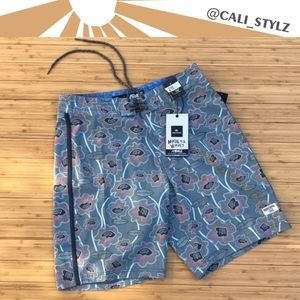 🔷🔹RIP CURL SUN DRENCHED RAYS BOARD SHORTS🔹🔷